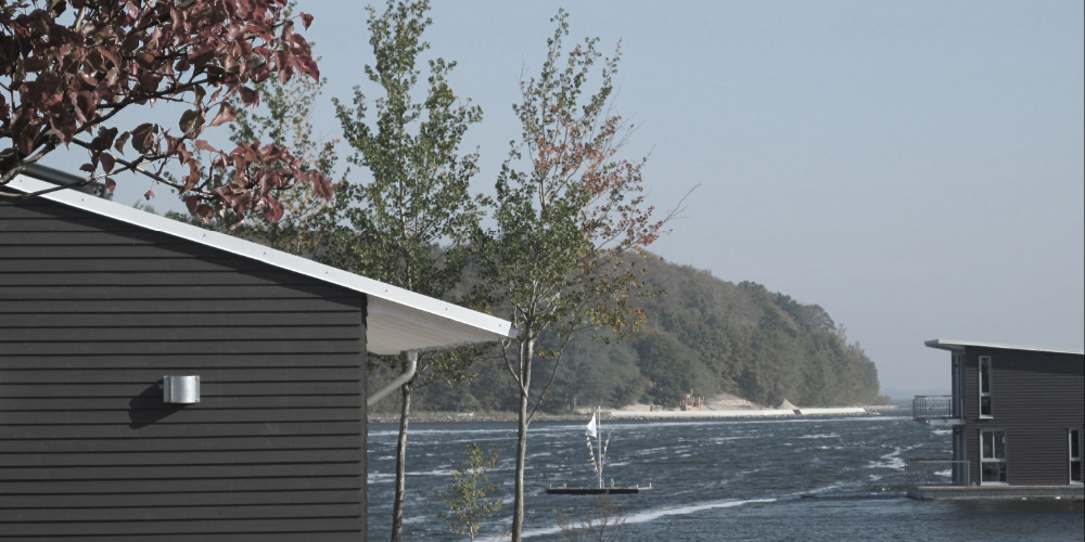 schwimmende Ferienhäuser Marina Lauterbach im jaich